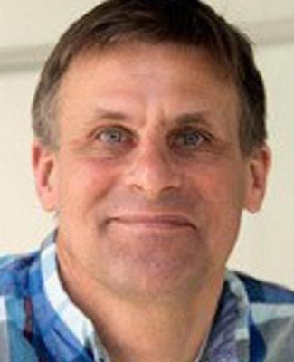 Headshot of Sebastian Bednarek